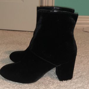 Short black velvet boots from American Eagle
